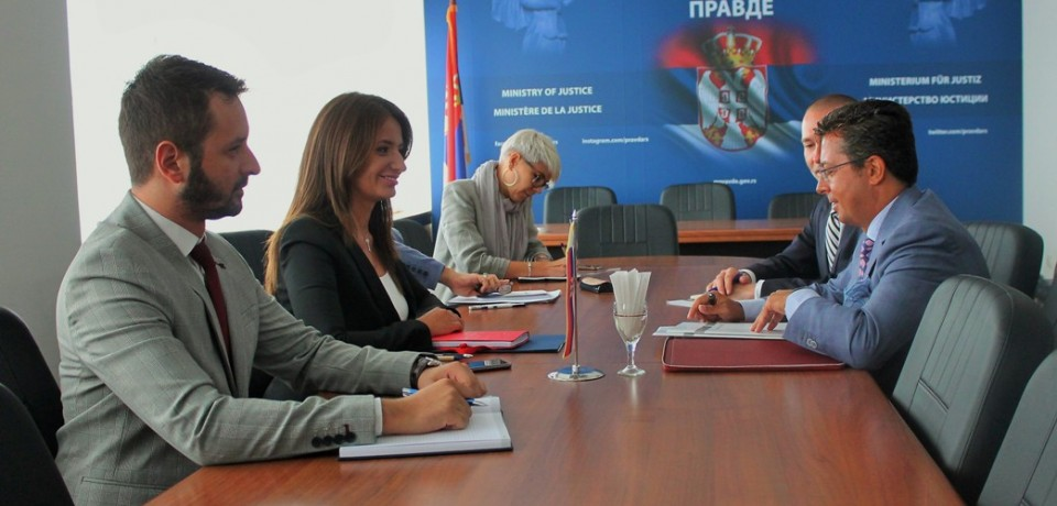 Minister Kuburović and the Head of the OSCE Mission discuss the progres of constitutional amendments